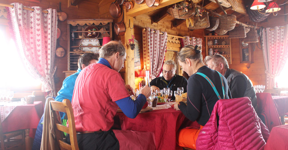 Photo: Daniel Elkan - mountain restaurant in Alpe d'Huez1