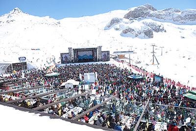 Ischgl mountain concert by train