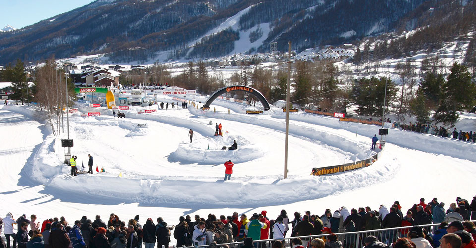 Photo: Agence Zoom - Serre Chevalier ice skating